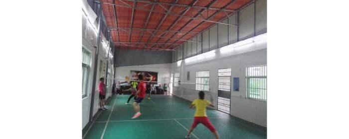 """高陂中小举行""""庆五一""""教职工羽毛球比赛"""